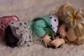 Картинка цветок, игрушка, кукла, блондинка, лежит