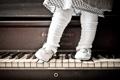 Картинка фон, девочка, пианино