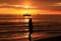 Картинка море, небо, девушка, облака, закат, яхта
