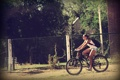 Картинка девушка, велосипед, забор