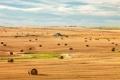 Картинка поле, небо, облака, дом, сено, сельская местность, ферма