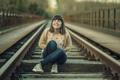 Картинка девушка, улыбка, настроение, железная дорога, Joy