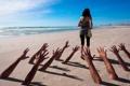 Картинка море, девушка, руки