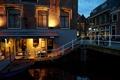 Картинка ночь, город, фото, дома, лестница, Нидерланды, Alkmaar