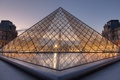 Картинка закат, город, Франция, Париж, вечер, Лувр, освещение