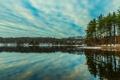 Картинка небо, облака, снег, деревья, озеро