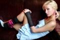 Картинка чулки, Paris Hilton, девушка, диван