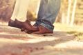 Картинка улица, ноги, ботинки, колготки, коричневые