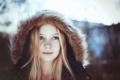 Картинка холод, зима, глаза, лицо, улыбка, волосы, куртка