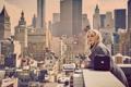 Картинка крыша, город, дома, макияж, актриса, прическа, блондинка