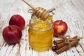 Картинка яблоки, мед, корица