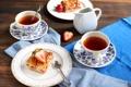 Картинка клубника, пирог, тарелки, чашки, ягоды, ложки, выпечка