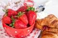Картинка ягоды, завтрак, сливки, клубника, красные, выпечка, джем