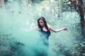 Картинка лес, девушка, туман