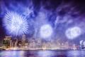 Картинка ночь, огни, пролив, праздник, Нью-Йорк, небоскребы, салют