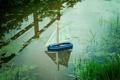 Картинка кораблик, вода, макро