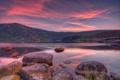 Картинка облака, озеро, камни, рассвет, холмы, розовые