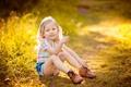 Картинка свет, радость, счастье, детство, улыбка, ботинки, девочка