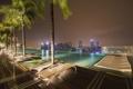 Картинка крыша, ночь, огни, дома, бассейн, Сингапур, отель