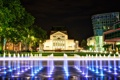 Картинка ночь, город, огни, фонтан, театр