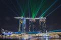 Картинка Сингапур, вечер, цвет, огни, отель, город, лазеры