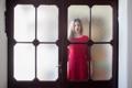 Картинка девушка, настроение, дверь