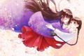 Картинка девушки, аниме, лепестки, падение, арт, объятия, косички