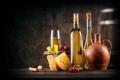 Картинка вино, корзина, бокал, сыр, виноград, пробка, бутылки