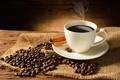 Картинка стол, кофе, кружка, корица, кофейные зёрна, блюдце, салфетка