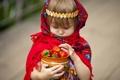 Картинка клубника, девочка, платок, ребёнок, горшочек