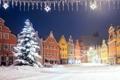 Картинка зима, снег, город, елка, новый год, дома