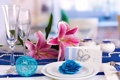 Картинка цветы, лилии, бокалы, тарелки, свадьба, flowers, glasses