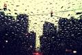 Картинка вода, капли, свет, машины, город, дождь, улица
